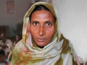 Семья Иршад Биби оказалась в долгах после того, как ей потребовалась операция