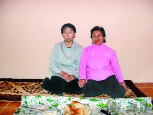 """""""Амангул"""" (слева) очень рада, что смогла побыть в приюте"""