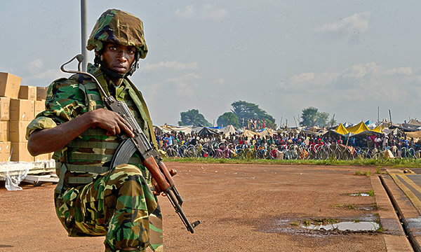 Refugee_camp_Bangui_Airport-5X3