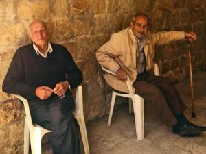 Эти два пожилых христианина были среди тех, кому пришлось покинуть Кесаб