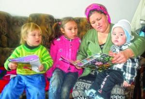 Верующие всех возрастов в Киргизии наслаждаются чтением детского христианского журнала
