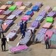 Подготовка матрасов для раздачи христианским беженцам из Мосула