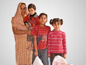 Фонд Варнава кормит более 2,000 нуждающихся христианских семей в Пакистане