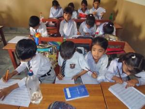 Фонд Варнава покрывает текущие расходы этой школы в Пакистане