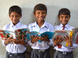 Дети в одной из христианских школы, которую поддерживает Фонд Варнава
