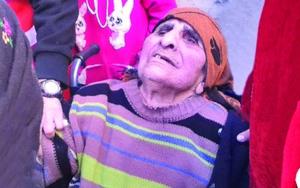 Одна из тысяч сирийских христиан, покинувших свои дома в деревнях вдоль реки Хабур
