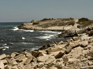 """Ливийское побережье. Убивая пленных коптских христиан, джихадисты пообещали смешать их кровь с морем: """"море… клянемся Аллаху, мы смешаем его с вашей кровью"""". https://www.flickr.com/photos/joepyrek/ / CC BY-SA 2.0"""