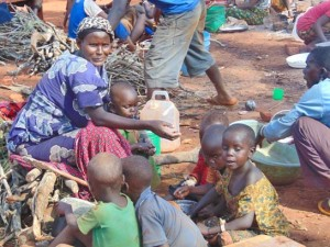 Беженцы из Бурунди приходят с пустыми руками, им приходится готовить и спать под открытым небом