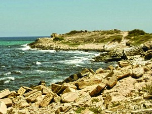 Участок ливийского побережья. В этом районе боевики казнили 21 коптского христианина.