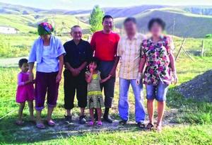 Пастор Каримбек с семьей христиан