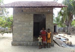 Sri-Lankan-family300