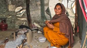 Христианка в трущобах Исламабада, Пакистан