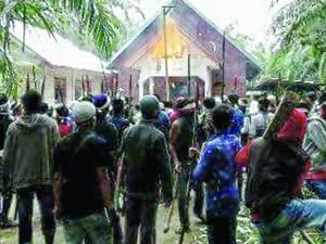 Радикальные мусульмане подожгли три церкви в Ачехе