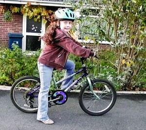 Исобел отправляется на свой благотворительный велозабег