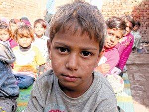 Фонд Варнава оказывает помощь тысячам молодых христиан в Пакистане, предоставляя им продовольственную помощь и возможность учиться в школе, также мы оказываем юридическую помощь в случае особо тяжелых гонений