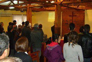 Христиане собрались на богослужение недалеко от Стамбула
